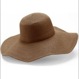 -peter-grimm-erin-brown floppy-hat